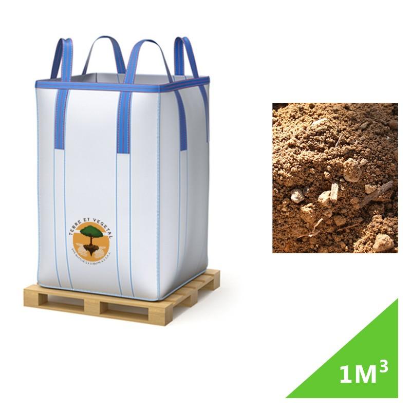 4d502367990 La terre végétale est issue de décapage superficiel de terrain agricole est  proposé conditionné en big bag par Terre et Végétal. Cette terre végétale a  une ...